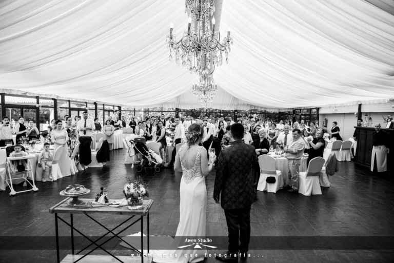Entrada banquete boda brindis